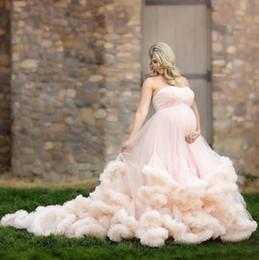 vintage kleider vestido noiva renda Rabatt 2018 erröten rosafarbene Hochzeits-Kleiderstrand-Land-Mutterschaft schwangere kaskadierende Rüschen-Schatz-Brautkleider mit Schwung-Zug vestido de novia