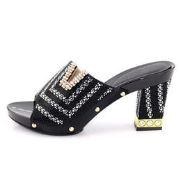 Deutschland African Black Chic Heels mit vielen kleinen Stein verziert italienische Damenschuhe ohne Handtasche.227-2 Versorgung
