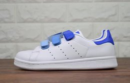 Wholesale Closed Looping - Hot sell Classic style Stan Smith Shoes men women Athletic Shoes 36-44 White color musial magic button Stan Smith Skateboarding Shoes