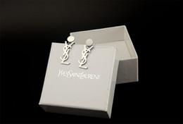 2019 orecchini di celebrità Monili dell'orecchino dell'oro del metallo di modo degli orecchini del pendente della lettera delle donne di disegno di alta qualità con la scatola