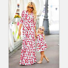 69bb1c6ee7a4 Mommy and Daughter Dresses Fashion Nuovo Design Cherry Fruit Stampa  Bohemian Style Famiglia Matching Abito manica lunga sconti lungo vestito di  ciliegia