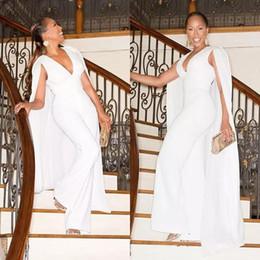2019 roupas sexy para a noite 2018 Plus Size Macacões Branco Marfim Pant Ternos com Trem Longo Cape Envoltório Xale Calças de Noite Outfits Sexy Profunda Decote Em V Sem Mangas Personalizado desconto roupas sexy para a noite
