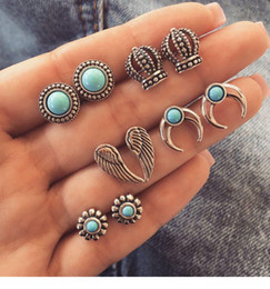 crown stud settings Promo Codes - New Vintage Bohemia Stud Crown Moon Wings Sharp Retro Turquoise Color Stud Earring Set With 5 Pairs Alloy Wholesale