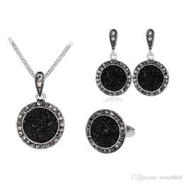 9d1eaca66363 Negro collar de cristal redondo pendientes conjuntos de piedras preciosas  collar de declaración de gota de agua cristalina pendientes conjuntos de  joyas ...