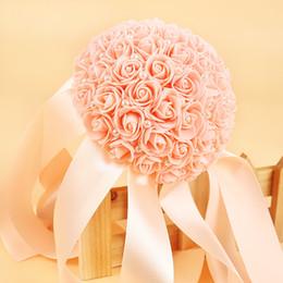 Bouquets de fleurs en soie pas chères en Ligne-Date Pas Cher Artificielle Mousse Roses Bouquets De Mariage Fleurs Soie Ruban Perle De Mariée Demoiselle D'honneur Bouquet Buque De Noiva CPA1588