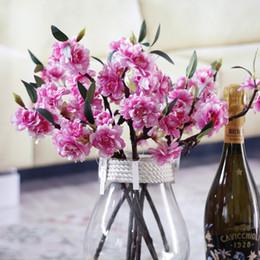 Corona di fiori di ciliegio online-Nuovo design artificiale Sakura Cherry Blossoms fiori di seta Flores falsi rami di ciliegio casa Tabledesk decorazione di cerimonia nuziale corona