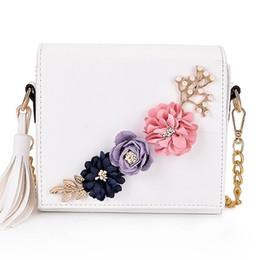 bolsos de cuero bordados Rebajas Bolso de las mujeres Bolsos de cuero sobre el bolso de hombro Crossbody Diseñador de lujo de la cadena de la flor de la borla bordada pequeñas bolsas de solapa