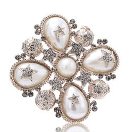 Wholesale Rhinestone Flower Brooches - Charming Men Women Suit Pin Brooch AAA Rhinestone Pearl Star Flower Brooch Pin for Women for Party Wedding Nice Gift NL-618