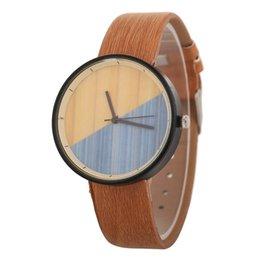 Мужские часы из черного дерева онлайн-Оптовая мода мужская мужская женщин древесины зерна кожаные часы дамы студенты платье кварцевые наручные часы черный циферблат часы