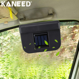 2019 ventilaciones de refrigeración para automóviles KANEED Solar Powered Car Cooling Ventilador del coche del parabrisas Automático Cool Cool Cooler Vehicle Air Vent Radiador con tira de goma ventilaciones de refrigeración para automóviles baratos
