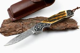 Faca de chifre de damasco on-line-Transporte da gota Folding Knife Damasco Lâmina De Aço Chifre + Punho De Cobre Bloqueio Voltar EDC Bolso Facas Dobráveis Bainha De Couro