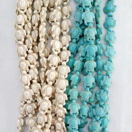 Piedra azul mar online-Comercio al por mayor tallado Sea Howlite tortuga bolas de piedra encanto para pulseras fabricación de joyas 14 * 18 mm blanco azul turquesa cuentas de piedra de la tortuga