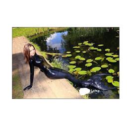 Cola de látex online-La sirena atractiva del látex del 100% látex viste la cola inflable del látex