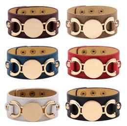 bracelets de manchette en cuir Promotion 2018 nouveau style monogramme en cuir manchette bracelets pour les femmes Pulseras blanc plaqué or en cuir bracelet hommes Snap bijoux