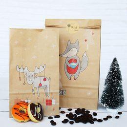Adesivi per imballaggi alimentari online-36pcs Buon Natale Kraft Sacchi di carta per regali con adesivi Foulard Moose Fiocco Regalo Borse caramelle Cibo Cookie Packaging Bags