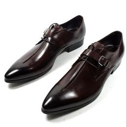 Vestiti di colore marrone scuro online-2018 Nuovo stile di moda di lusso colore marrone / nero scuro / nero mens affari scarpe da lavoro in vera pelle scarpe a punta da uomo mens scarpe L76