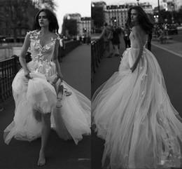 2019 liz martinez vestidos de noiva Liz Martinez Sexy Vestidos de Noiva Tulle Borboleta Apliques Backless Praia Plissada A Linha De Vestidos De Noiva Até O Chão desconto liz martinez vestidos de noiva