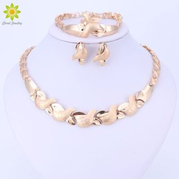 Wholesale classic costume jewelry wholesale - Jewelry Sets Women Costume Statement Necklace Bracelet Earring Ring Fashion Gold Color Romantic Classic Wedding Accessories