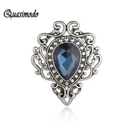 Quasimodo Retro Palace Queen Style Cameo Vintage Brooches for Women Metal  Hijab Pin Fashion Jewelry Accessory New Year Gift 2019 9ec89ce0c5d2
