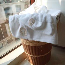 Deux serviettes en Ligne-2018new arrivel Deux ensembles de serviettes brodées pour enfants, vêtements de mode pour adultes, confort, serviettes en coton moelleux, deux pièces, serviette blanche simple