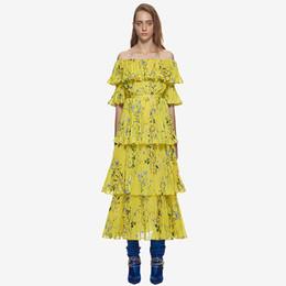 9a609f450 Self Portrait Summer Boho Beach plisado vestido largo 2018 Runway mujeres  Yellow gasa impreso Flower Ruffles Off hombro vestido