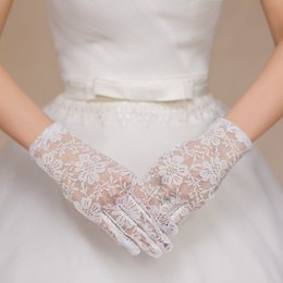 Wholesale Short Red Lace Wedding Gloves - 2018 Short Lace Bridal Gloves Sexy See Through Sheer Full Finger Elegant Hollow Out Wedding Gloves For Party Cheap White Red Black