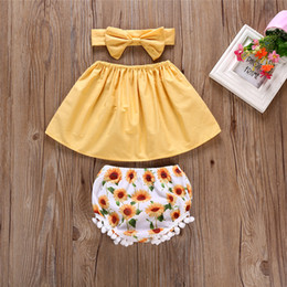 0-24 M Bebé recién nacido lindo ropa fuera del hombro Tops de cosecha Amarillo + Girasol borla Bebé Bloomers Shorts Diadema 3 UNIDS Girls Outfit Sunsuit desde fabricantes