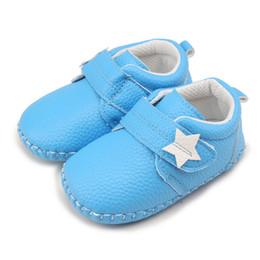 5006c8b21282b Bébé nourrisson chaussures à semelles souples étoile en forme de coeur  motif PU en cuir tout-petits garçon fille peu profonde premiers Walkers peu  coûteux ...