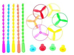 Beleuchtung plastikscheiben online-Neue 5Pcs / lot Spin Mix Farbe Licht im Freien Spielzeug Flying Saucer Disc Frisbee Kategorie UFO Plastic Kinder Spielzeug Baby-Geschenk Großhandel Outdoor Games