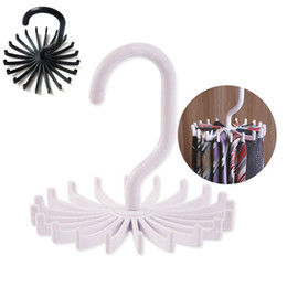 Legami ganci online-Cravatta rotante Organizer Hanger Closet Organizer Hanging Storage Sciarpa Rack Tie Rack Contiene cravatte Gancio T2I060