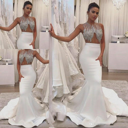 2019 robes de mariée bijoux Top robes de mariée sirène perlée avec Bling bijoux magnifique satin Zipper Fishtail Summer Country Sexy mop longue section robes de mariée robes de mariée bijoux pas cher