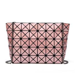 hand bag straps UK - Single shoulder bag brand in Europe and the detonation model of folding geometric ling, the chain shoulder strap bag fashion ladies hand bag