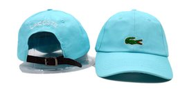 Wholesale free baseball hats - New Arrivals Unisex Cap Women Men Baseball Hats 100%cotton Adjustable Plain Golf Classic Fashion snapback bone Casquette outdoor sun dad hat