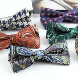 2019 legame di arco di seta d'epoca 2016 Vintage Regolabile classico poliestere seta papillon cravatta a righe farfalla cravatta cravatta bowtie regalo di festa di nozze sconti legame di arco di seta d'epoca