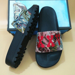 Wholesale leather sandals for women - FREE SHIPPING slide sandals slippers for men  women WITH ORIGINAL BOX cards  2018 Designer printing leather unisex beach flip flops slipper