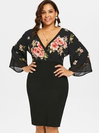 Wipalo Women Plus Size 5XL Bell Sleeve Low Cut Floral Dress Plunging Neck 3  4 Sleeve Spring Dresses Party OL Dress Vestidos f32c9c85b