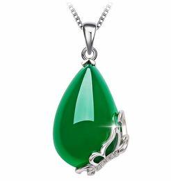 Frauen Silber Jade Halskette Chalcedon Schmetterling Anhänger Korean Silber Grüne Jade Edelstein Anhänger Halskette Schmuck 2018 von Fabrikanten