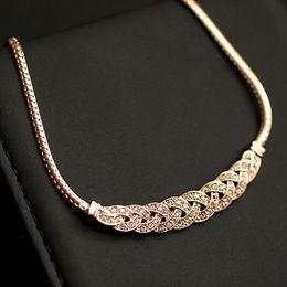 Altın Gümüş Lüks Lüks 8 kelime büküm Parlak Rhinestone Kısa Klavikula Zincir Kristal Bildirimi Kolye Kolye Kadınlar nereden