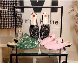 Deutschland Designer-Frauen-Spitze-Pantoffel Müßiggänger-Müller-Schuhe mit goldener Schnalle Frauen Princetown-Pantoffeln Damen-zufälliger Pantoletten-Ebenen neu supplier golden laces Versorgung