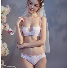 Japanese girls underwear sutiã on-line-Meia xícara profunda-v pescoço meninas do laço pequeno underwear empurrar para cima mulheres sexy sem costura lingerie 1/2 xícara moda Japonês Bra e Briefs Set