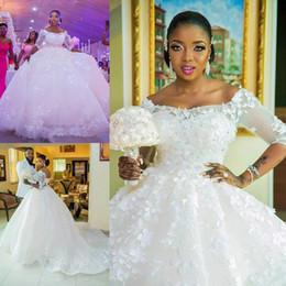 Elegante encaje africano de la boda online-Tallas grandes Robe de mariée Appliqued Lace Vestidos de novia africanos Medias mangas Vestidos de novia árabes Lace Up Back Vestidos elegantes para novia de novia