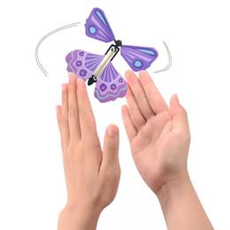 Nova Borboleta Vôo Borboleta Mágica Mudança Mudar Com As Mãos Vazias Liberdade Borboleta Magia Adereços Truques de Mágica para Crianças Presentes de Natal de Fornecedores de dinheiro por atacado
