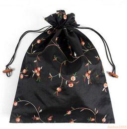 Bolso de seda hecho a mano chino online-27 * 37 cm Chino Hecho A Mano Bordado Floral Bolsas de Zapatos de Seda Bolsas de Almacenamiento de viaje Con Cordón portátil Bolsa 50 unids