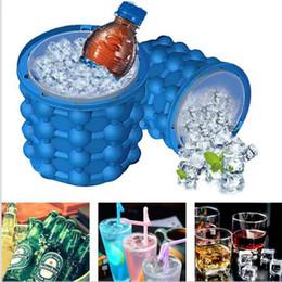 2019 secchielli di cucina Strumento Bar Party Iride Ice Genie Cube Maker Genie Il rivoluzionario Space Saving Ice Cube Maker Genie Utensili da cucina Ice Benne Bicchieri