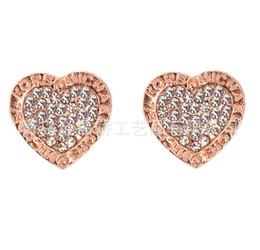 М серьги онлайн-Серьги-гвоздики из розового золота серебра серии M с логотипом в форме сердца с бриллиантами с тремя цветами