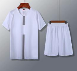 18 19 top tailandesa melhor qualidade cor branca diy personalizar air homens conjuntos de futebol de jersey calções de futebol masculino roupa de futebol kits ternos uniformes de Fornecedores de ternos masculinos de qualidade superior