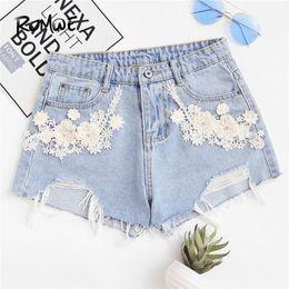 0d019d40981 ROMWE Flower Appliques Raw Hem Shorts in denim 2018 Summer Mid Waist Buon  Fly Casual Abbigliamento donna Pantaloncini strappati blu