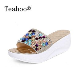 Wholesale bohemia shoes - 2017 SUMMER STYLE Color Rhinestone Wedge Slide Sandals Women Summer Shoes Bohemia Style Fashion Sandals Size 35-39 Gold Silver