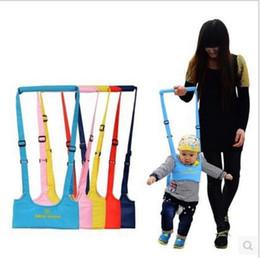 chaleco de engranajes Rebajas Baby Walking Belt Toddler Walk Asistente de aprendizaje Arnés de pecho Suave chaleco acolchado Cuidado de la madre Baby Gear Alas que caminan YL752
