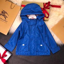 7892082b1dae 2018 baby jungen jeansjacke 2018 Herbst Winter Kinder Jungen Kapuzen Battle  Jacket Windbreaker Denim baby jungen